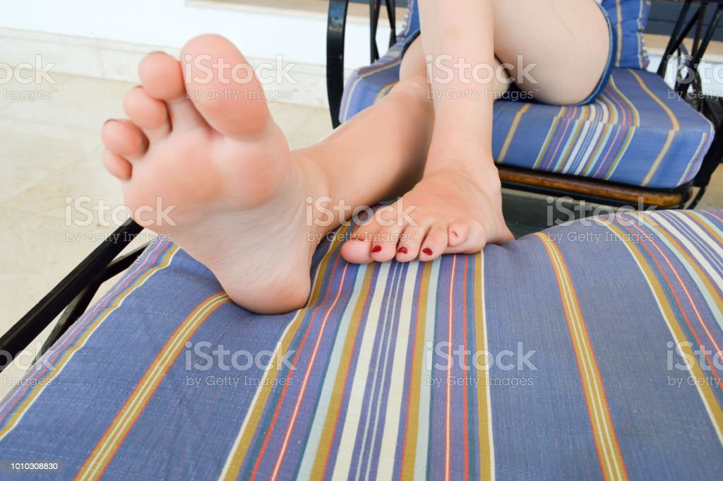 pics of girls feet