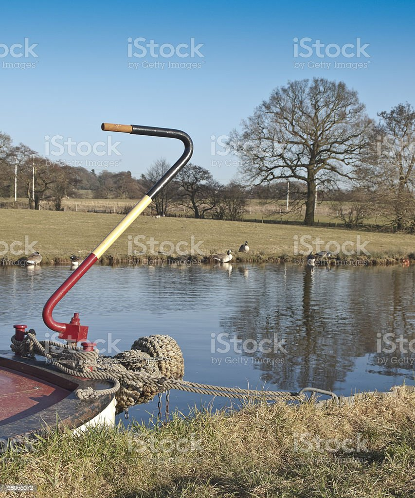Chiatta in barca sul fiume del canale foto stock royalty-free