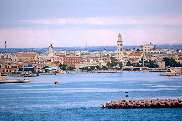 skyline von Bari – Foto