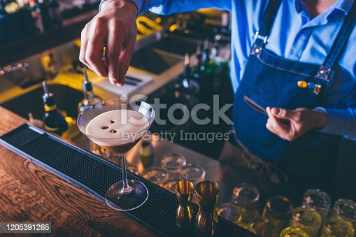 Barista making espresso martini