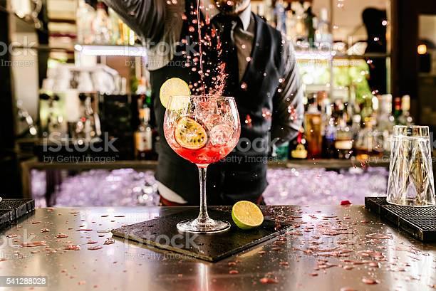 Barman is making cocktail at night club picture id541288028?b=1&k=6&m=541288028&s=612x612&h=jfsy gqvzfwecddfl tqcsmtxzb9vdygjuw36h8bnh0=