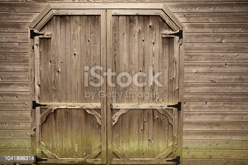 Barn doors make an excellent rustic background. Image shot with Canon 5D Mark 4, EF 17-40mm f/4L USM lens.