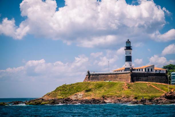 barra lighthouse (farol da barra) in bahia - carlosanchezpereyra fotografías e imágenes de stock