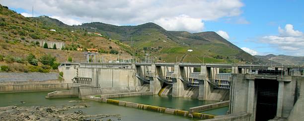 barrage sur le douro, portugal - fotos de barragem portugal imagens e fotografias de stock