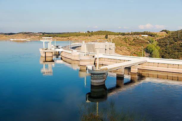 barragem alqueva - fotos de barragem portugal imagens e fotografias de stock