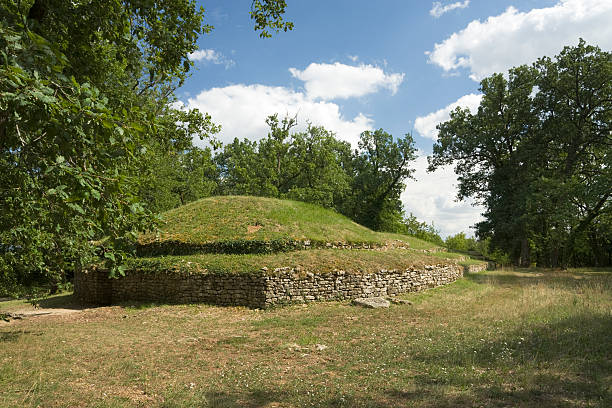 tumulus  4th century bc stock pictures, royalty-free photos & images
