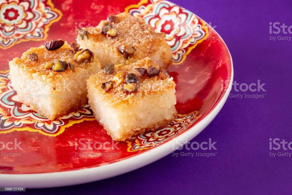 Basbousa Ou Namoora Gateau De Semoule Sucree Arabe Traditionnel Avec