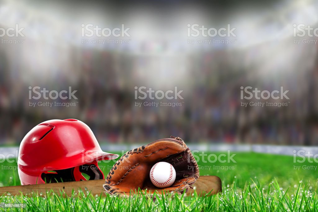 Baseball Equipment on Grass With Copy Space – zdjęcie