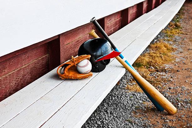 equipamento de cabina banco de madeira de beisebol - softbol esporte - fotografias e filmes do acervo