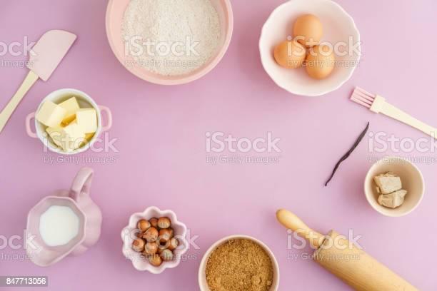 Basic baking ingredients picture id847713056?b=1&k=6&m=847713056&s=612x612&h=5lejagwf93d1xhx3obwqp0hjhy7rhqk9f1u4s4hgk5s=