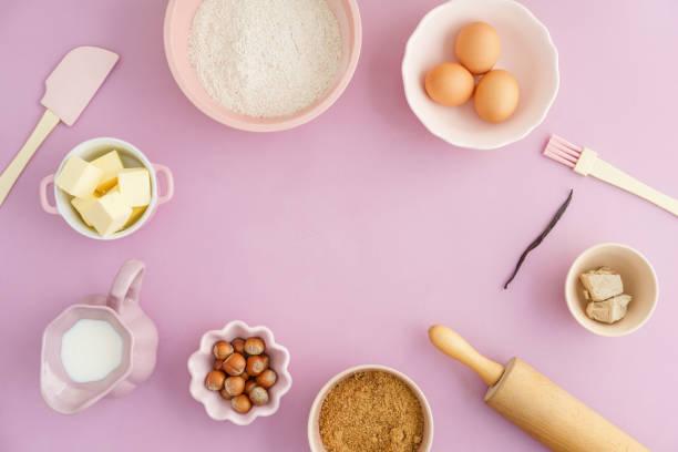 Basic baking ingredients picture id847713056?b=1&k=6&m=847713056&s=612x612&w=0&h=ypbe3k5gsrvxh15zlkllo0avw 2hjuphdj kubdwzci=
