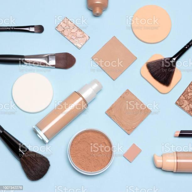 Basic skincare make up products flatlay picture id1007342276?b=1&k=6&m=1007342276&s=612x612&h=z7gqnovy b5dodlcm9ywozzfe8gehf3mjll6zuwmyy4=