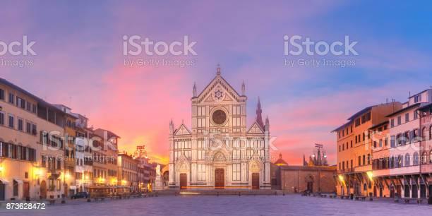 Basilica di santa croce at sunrise florence italy picture id873628472?b=1&k=6&m=873628472&s=612x612&h=erspjv1ww9tk7ihwtkxgl frugl1itkf67ojfyobpxy=