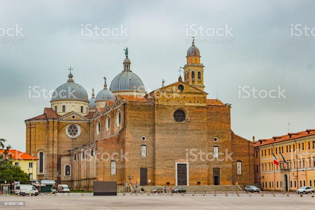 Basílica de Santa Giustina, Padua, Italia - foto de stock