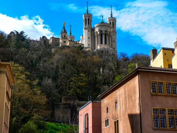 bazilikası notre-dame de fourvière - bazilika stok fotoğraflar ve resimler