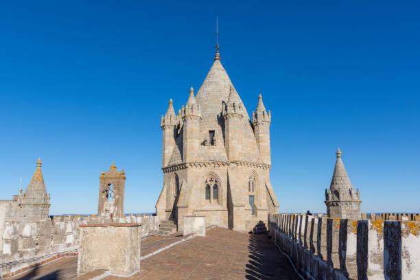 Basílica de nossa senhora da Assunção, mais conhecida como a Catedral de Évora, ou simplesmente Sé de Évora - foto de acervo