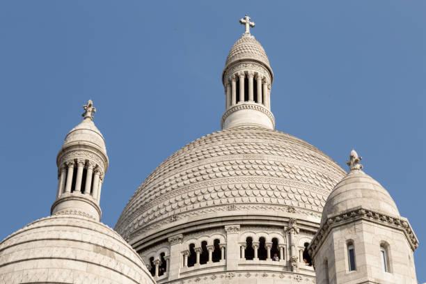 basilica of the sacred heart of paris - jesus and heart zdjęcia i obrazy z banku zdjęć