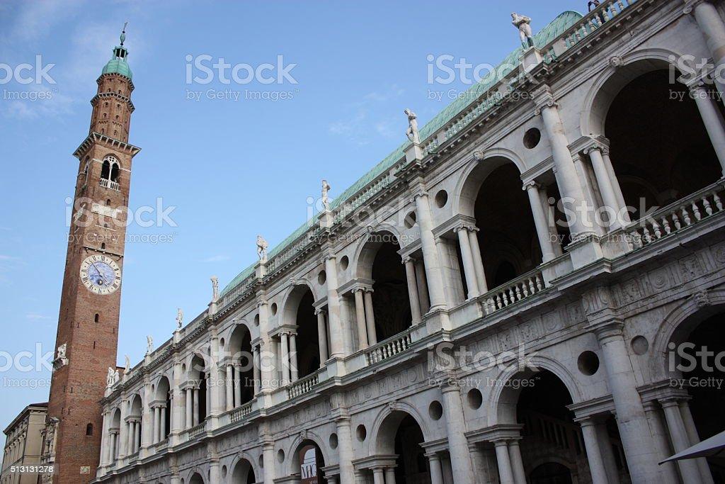 Basilica Palladiana torre medievale a Vicenza, Veneto, Italia - foto stock