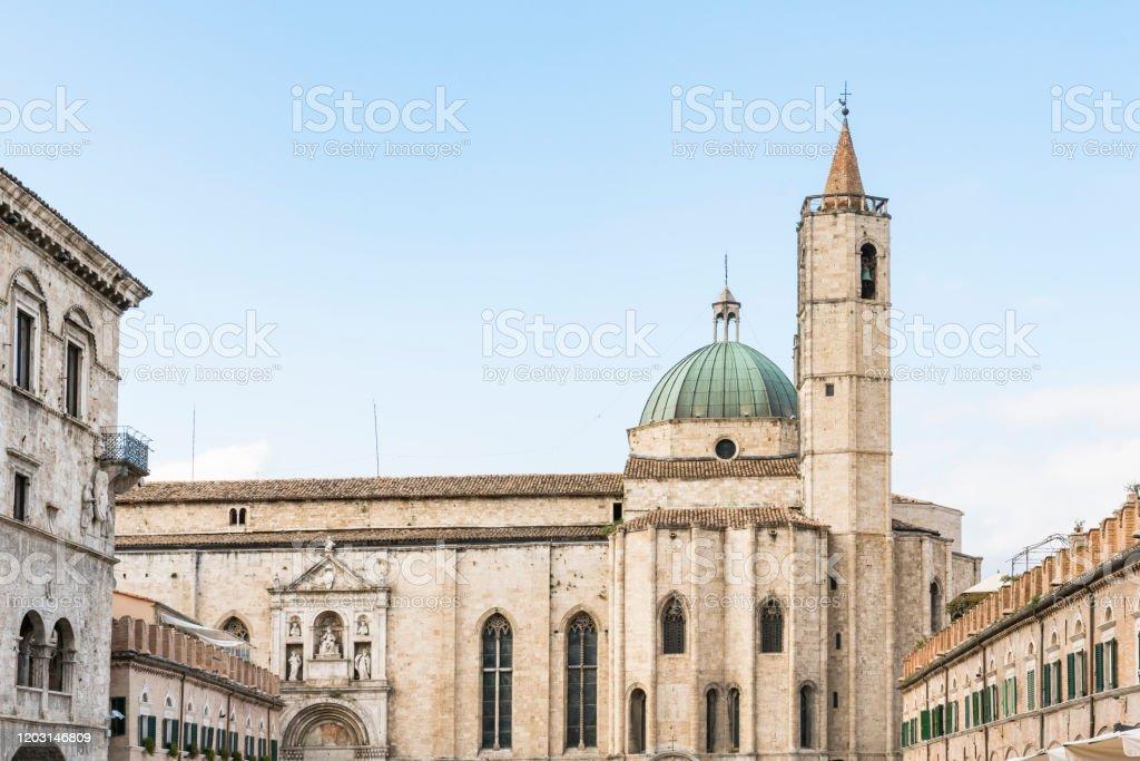 Basilica San Francesco Ascoli Piceno Italy - Fotografie ...