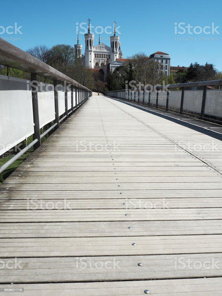 Basilique de Fourvière vue du parc des hauteurs - Photo