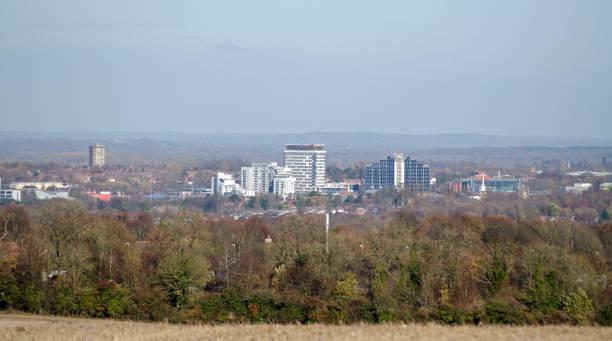 basingstoke, hampshire an einem klaren wintertag - basingstoke town stock-fotos und bilder