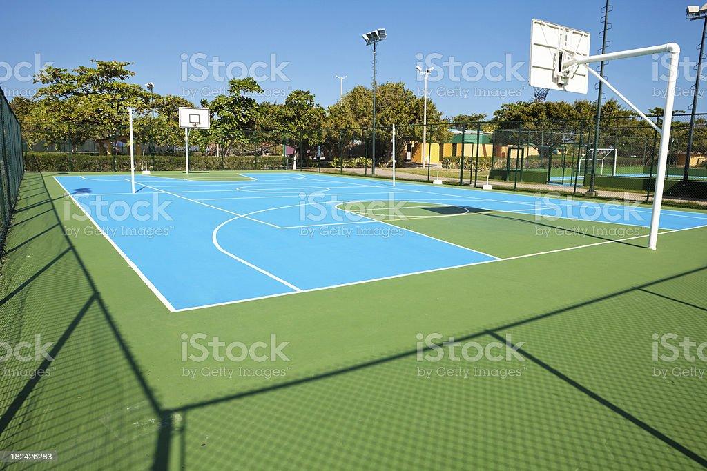 Illuminazione esterno design illuminazione campo basket