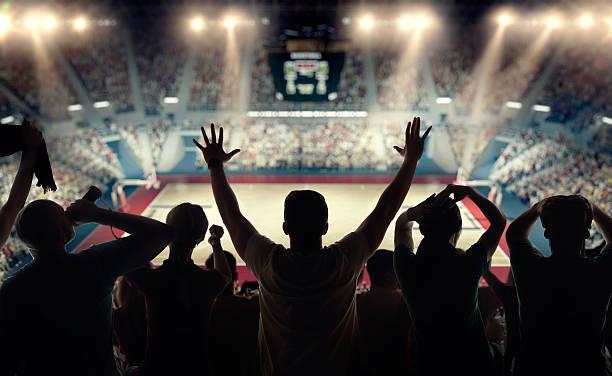 basketball-fans beim basketball arena – Foto