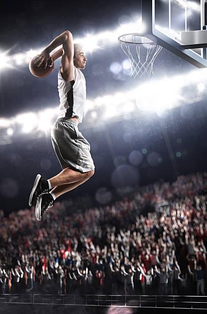 basketball-spieler in aktion - spiel des wissens stock-fotos und bilder