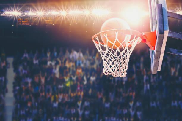puntuación durante combate en la arena de baloncesto - foto de stock