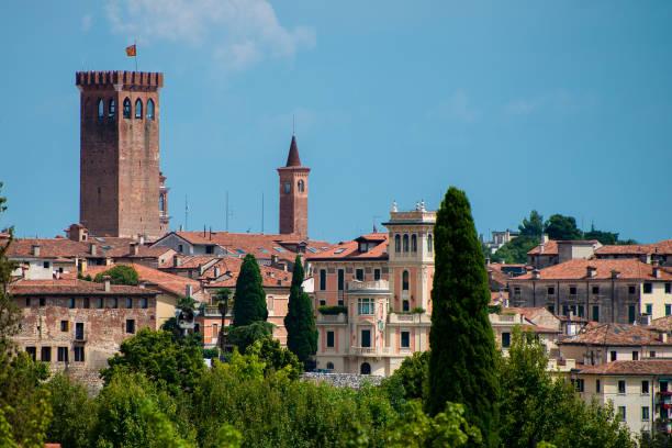 Bassano del Grappa,panorama,torre civica - foto stock