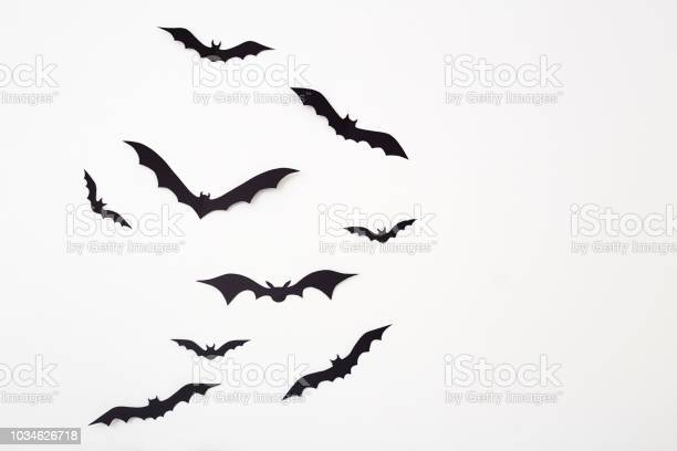 Bat paper decoration halloween and scary concept picture id1034626718?b=1&k=6&m=1034626718&s=612x612&h=5p3rzjolea8bavvbnl54t b1s2w834 mbdoo3b0ytz8=