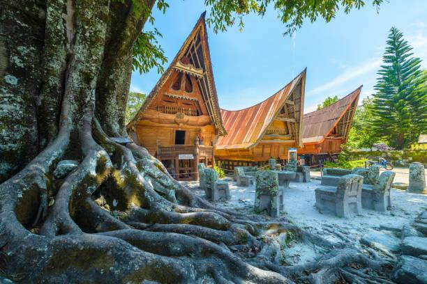 Batak traditional houses in a row sumatra indonesia picture id1142654956?b=1&k=6&m=1142654956&s=612x612&w=0&h=w8zvbp7katisz4jp9rp9wxojgsxev7rwz1hptoz3hjy=