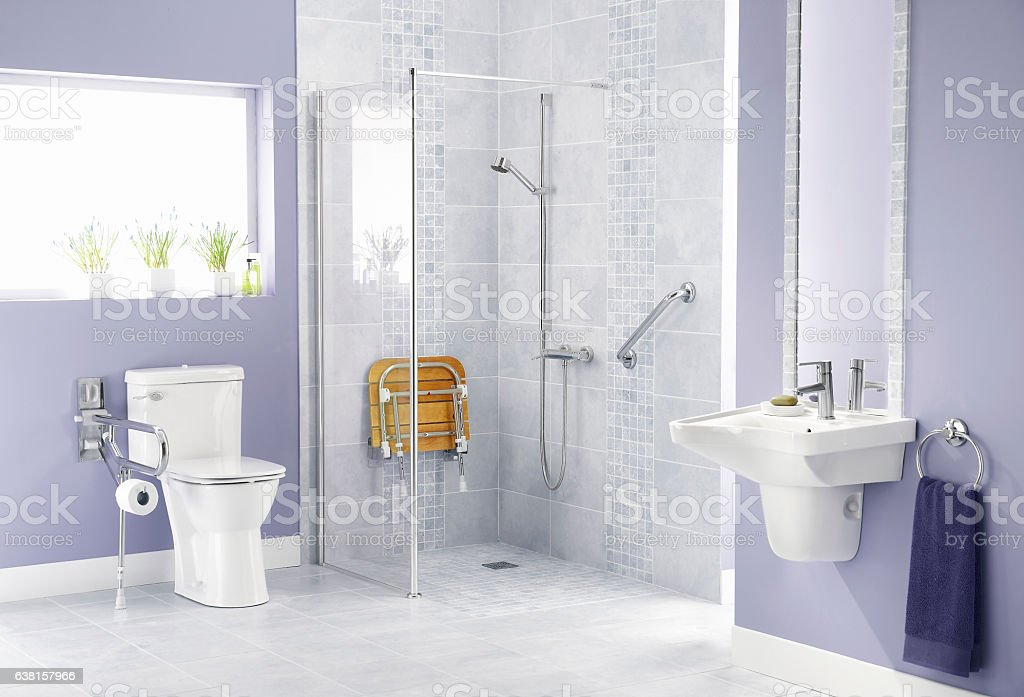 Bathroom for disabled - foto de stock
