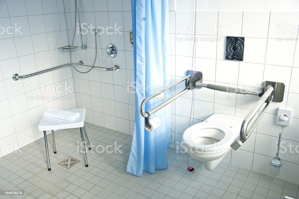Badezimmer für behinderte Menschen-behindertengerecht – Foto