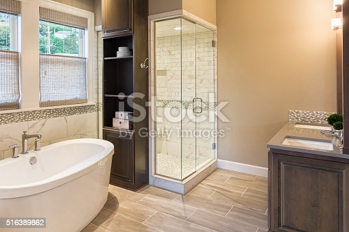 istock Bathroom in Luxury Home: Bathtub and Shower 516389862