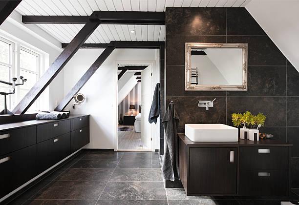- badezimmer - fliesenboden stock-fotos und bilder