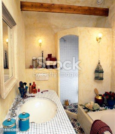 istock bathroom 184640692
