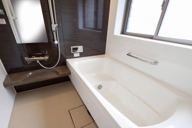 バスルーム - バス ストックフォトと画像