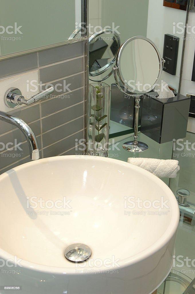 Waschbecken im Badezimmer Lizenzfreies stock-foto