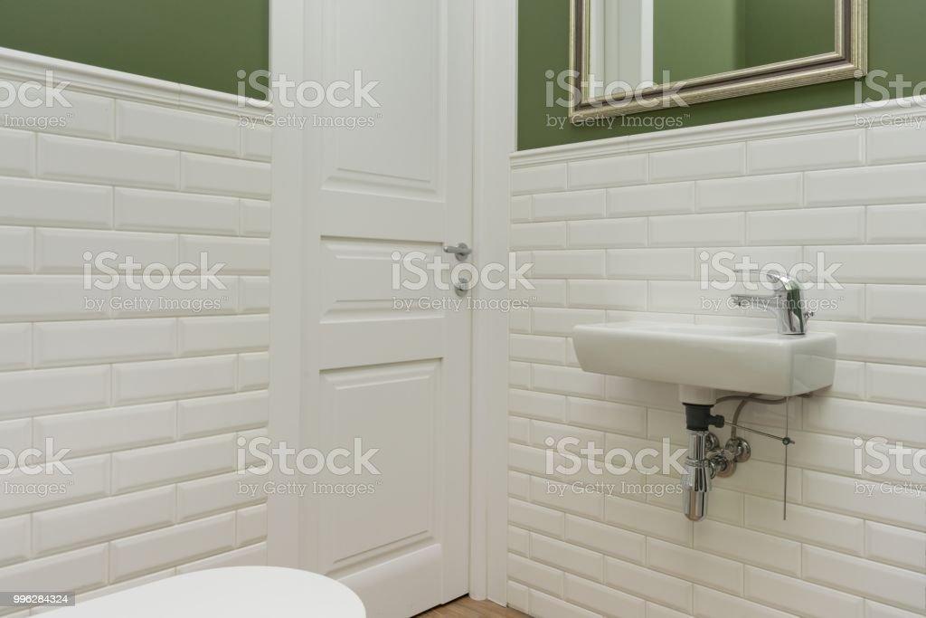 Fotos De Cuartos De Bano Pintados.Cuarto De Bano Primer Plano Interior De La Sala De Aseo Las