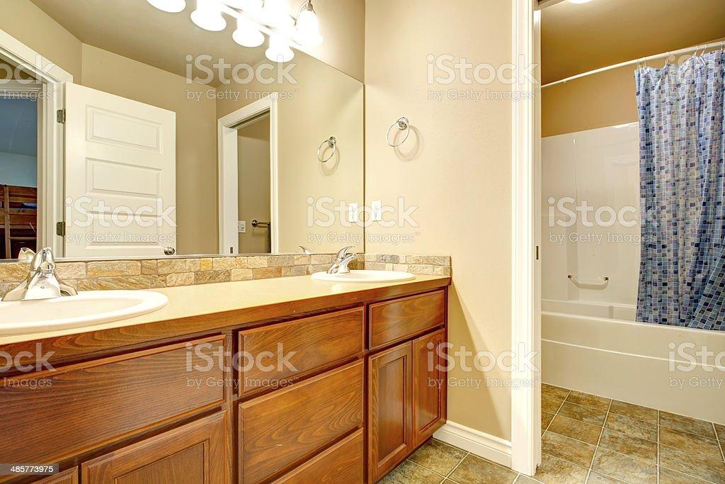 Baño Armarios Para Lavabo Foto de stock y más banco de ...
