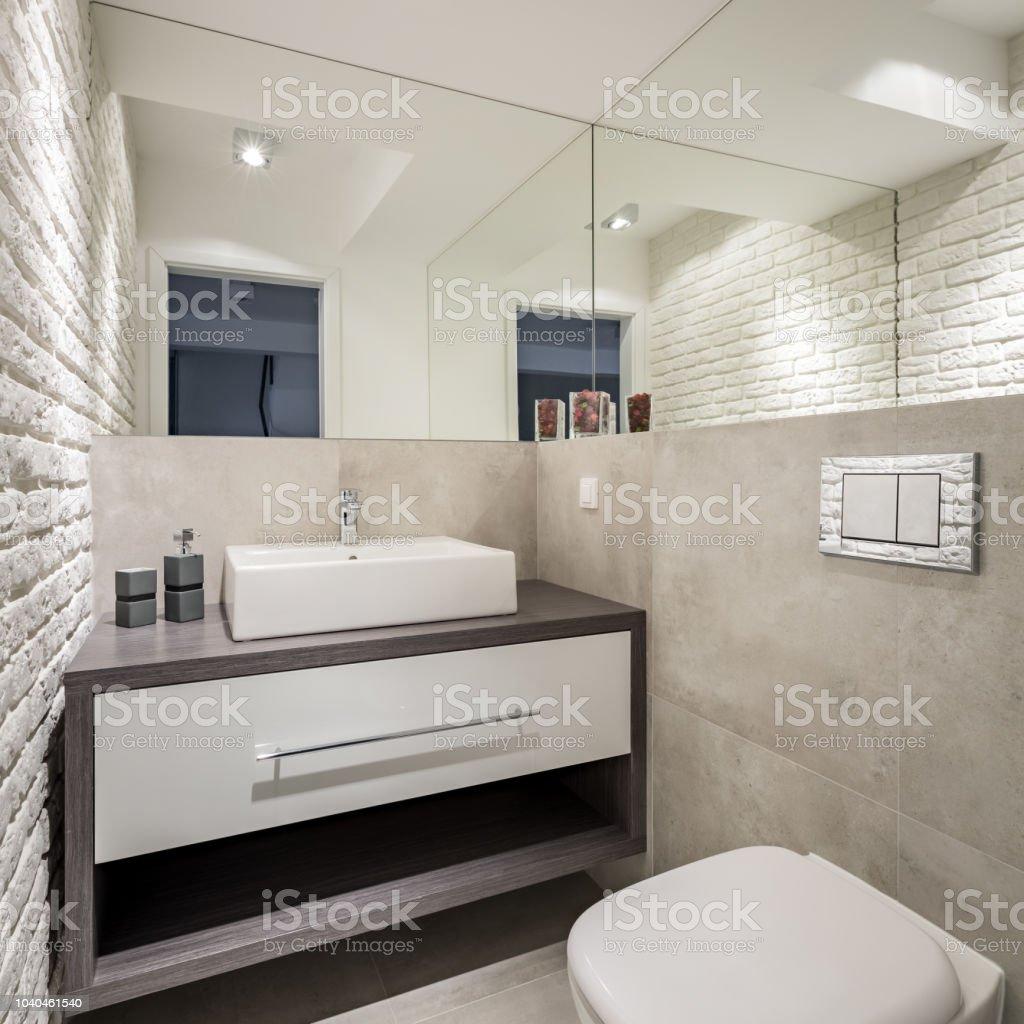 Salle De Bain Brique photo libre de droit de salle de bain avec mur de briques