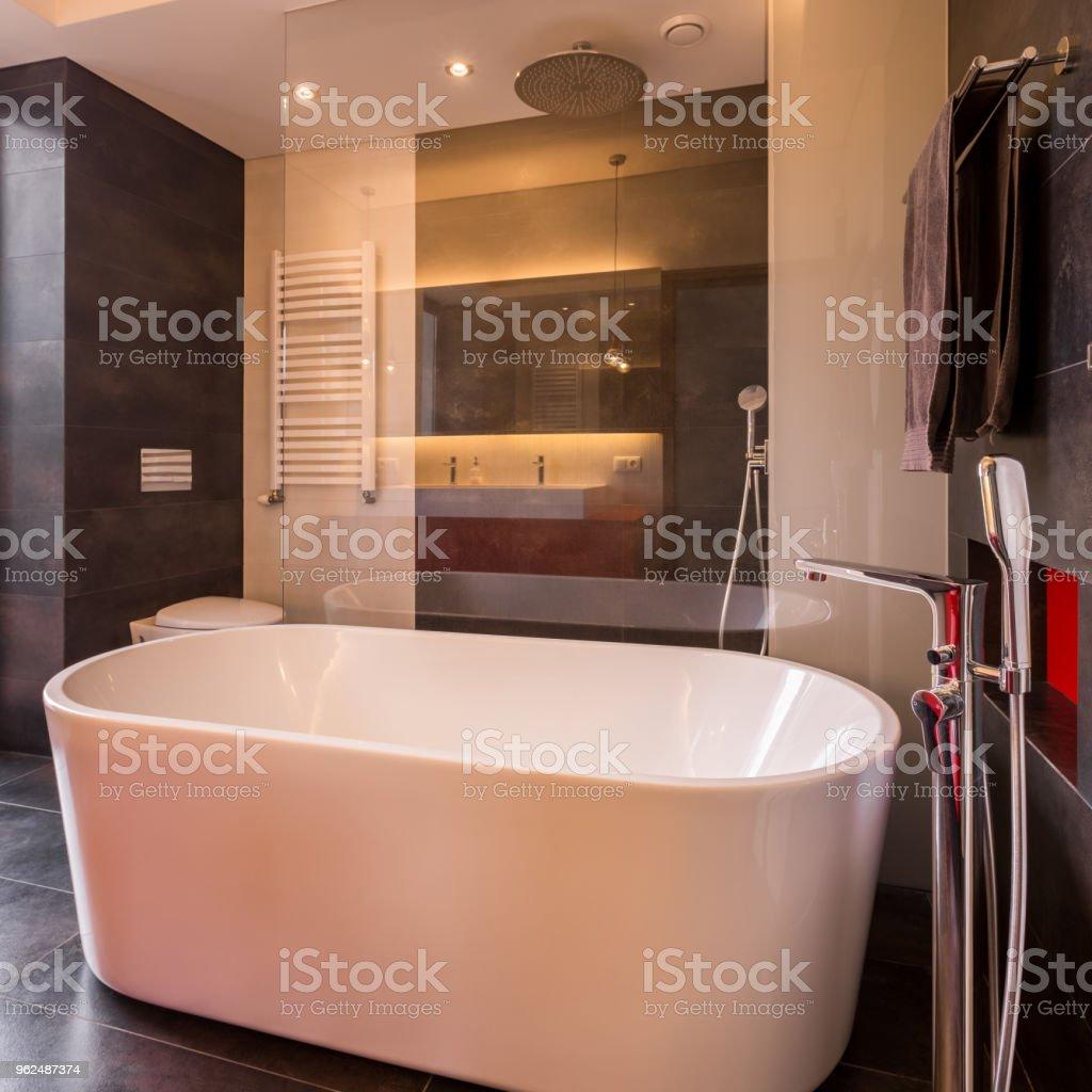 Badezimmer Mit Freistehender Badewanne Stockfoto und mehr Bilder von ...