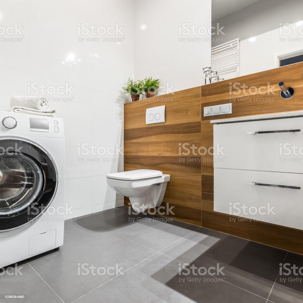 Badezimmer Mit Waschmaschine Stockfoto und mehr Bilder von ...
