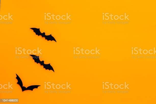 Bats with an orange background halloween concept picture id1041488020?b=1&k=6&m=1041488020&s=612x612&h=xaotbhkzjqltukadinoflepfwxchjd8voaj71g3gcau=