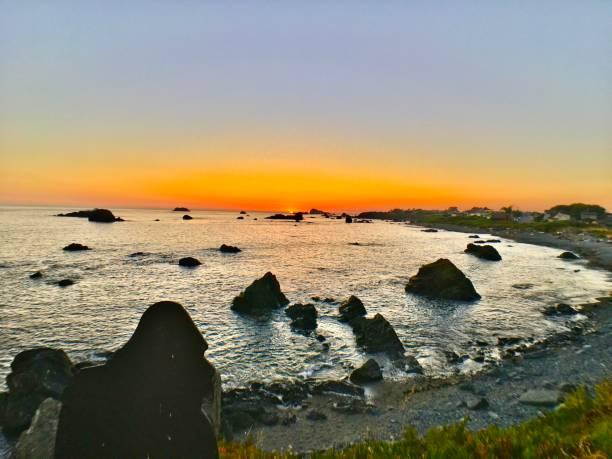 Battery point sunset with sea stacks panoramic picture id1268252519?b=1&k=6&m=1268252519&s=612x612&w=0&h=awpijjx9aqp74c1kzaojrs2oqwnk4guzk92ak5eixa0=