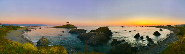 Battery point sunset with sea stacks panoramic picture id1268252524?b=1&k=6&m=1268252524&s=612x612&w=0&h=abiqol7vknigz77hwnphiptdkj44kbvsxlyj7xistiy=