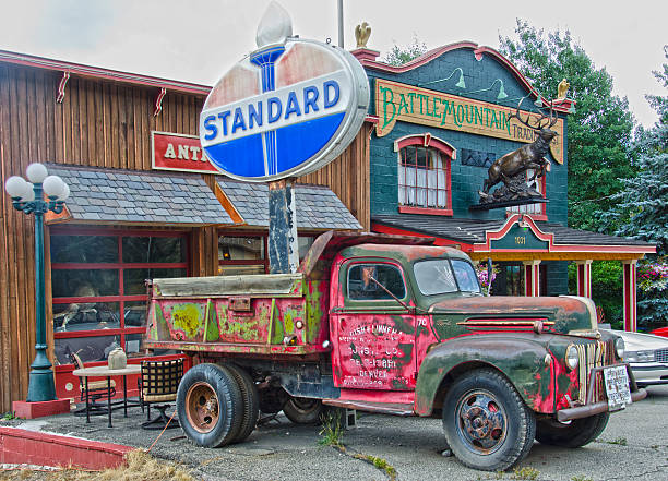 Battle Mountain Trading Post Minturn, United States - August 27, 2016: The old Battle Mountain Trading Post in Minturn, Colorado is full of unusual antiques and collectibles...some of which are in their parking lot! minturn colorado stock pictures, royalty-free photos & images