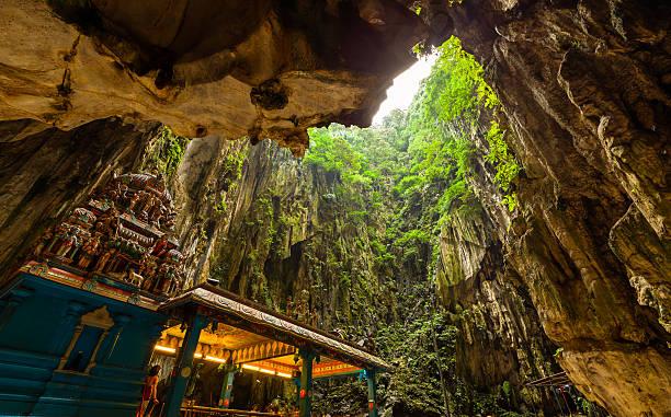 Batu Caves, Malaysia Batu Caves Temple, Kuala Lumpur, Malaysia kuala lumpur batu caves stock pictures, royalty-free photos & images