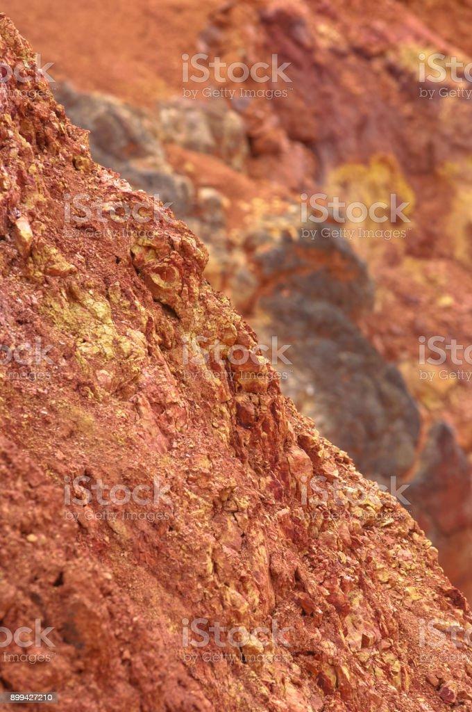 Mine de bauxite, raw tanné de roche sédimentaire de bauxite sur surface - Photo
